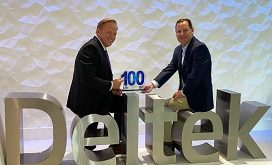 kevin-plexico-svp-of-information-solutions-for-deltek-receives-first-wash100-award-from-jim-garrettson-ceo-of-executive-mosaic